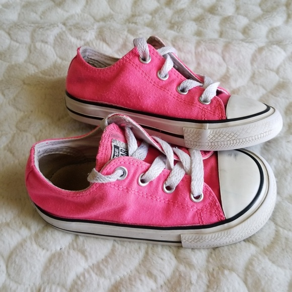 9d032edbf4a4 Converse Other - Baby Converse hot pink size 7 classic low top